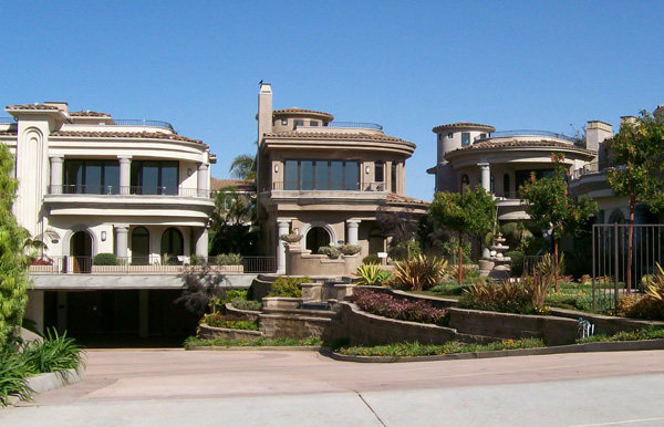 Coastal Luxury Homes in Carlsbad - Crescent del Sol